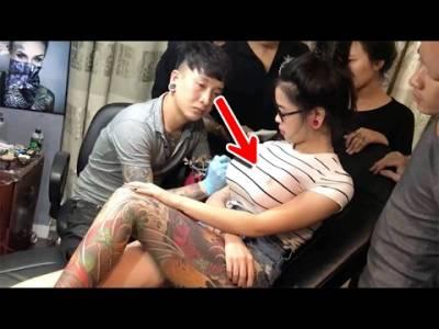 巨乳正妹給刺青師紋身,結果突如其來的「胸部震動」竟然嚇跑刺青師!