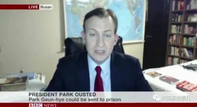 BBC專業主播連線播報新聞,身後闖進不速之客「忍者保母」飛奔即刻救援!