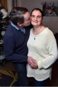 這對夫妻結婚28年,從14歲那年生下第一個孩子後,幾乎每17個月都能生下一位寶寶,都能組一個棒球隊了
