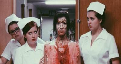 恐怖都市傳說!這個「面無表情的女人」被帶進診療室後,最後竟然只有「一個人」活著走出來...