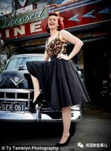 澳洲女子「因為胸部太大買不到合適衣服」超自卑!結果她「開始穿復古風」還開了一間時尚學校!