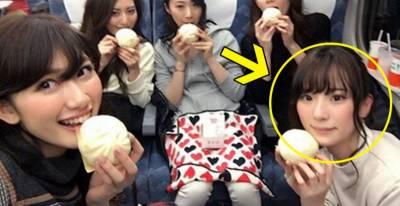 網友看到這5個拿著「雪白肉包的妹子」,馬上說選這位一定是「在室ㄟ」,讓留言的網友崩潰當場!?