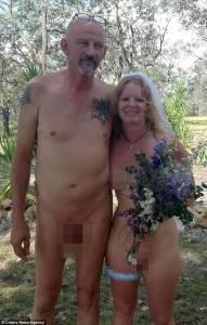 新西蘭新娘舉辦全裸婚禮!家人因為「太羞恥」沒有出席,他們卻說這是生命中最棒的一天!