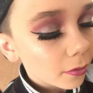 論化妝,你連一個10歲小男孩都不如!