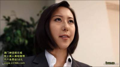 男子上網求助:「有沒有長的像邱主任的女優?」網友一看就瘋狂蓋樓,難怪總覺得眼熟,原來是她啊!