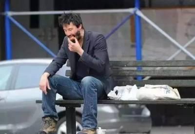 坐擁億萬資產卻活得像乞丐,29歲喪友,35喪女 37喪妻,這個好萊塢巨星看得人心疼