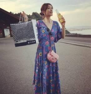 打敗木村拓哉和小栗旬,嫁個了比她大17歲的諧星,被眾人批評臉大人黑沒氣質!沒想到她現在的生活卻是如此幸福