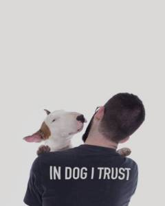 他和妻子離婚後, 竟然和自己的狗, 在房子裡做這種令人難以置信的事…