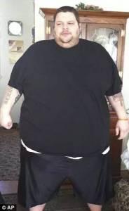 胖到600多斤險些狗帶的他,最後不僅瘦了,還遇到了人生真愛…服氣!