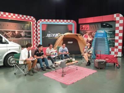 蘇宗怡把「第二個家」福斯T5開到攝影棚亮相了 車頭與輪框鋁圈改得超完美,現場來賓羨慕不要不要的!
