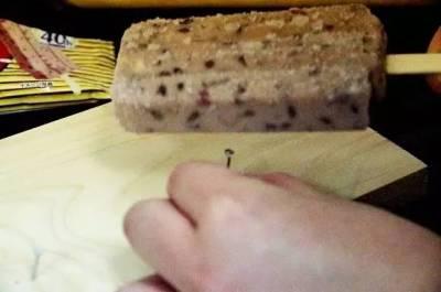 一款可以用來當兇器的雪糕,就問你怕不怕!