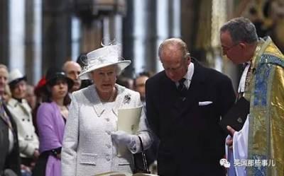 簡直王室最高級cosplay...女王的替身,真的不是一個傳說...