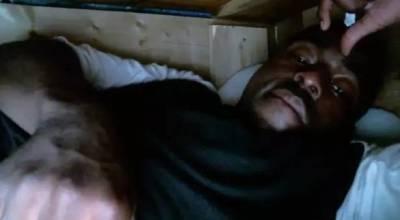 為了人氣,兩個喜歡作死的基友,這一次決定直播活埋自己24小時……