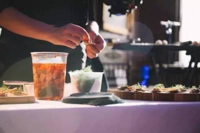 高顏值 高學歷的他,把餐廳開在了哥倫比亞大學宿舍,熱門程度已媲美米其林