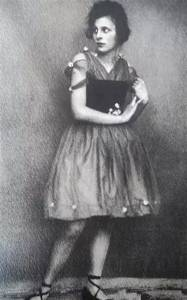 她是希特勒心中最完美的德國女人,卻因此入獄4年被世人唾罵70年