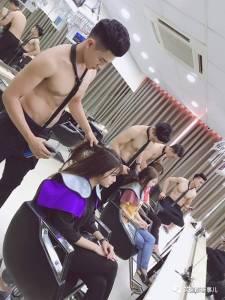 這麼一家全是露肉小鮮肉當理髮師的美髮店,美女想辦個會員卡了!