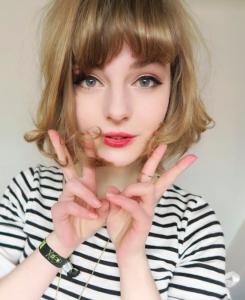 這個荷蘭妹子最近在網路爆紅,只因她接著「套上日系和服」...就給人超致命的一擊!