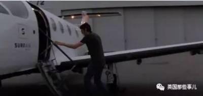 哈哈,他嘗試用41公斤的雷神錘砸爛一切..... 諾基亞:我不會輕易狗帶!