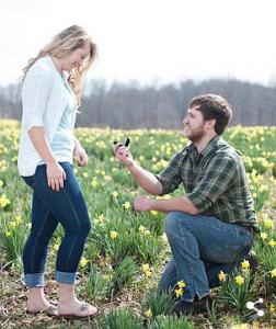 這名男子同天向2個女生求婚,卻只娶了其中一個...被罵負心漢的他,證明了他其實超真心!