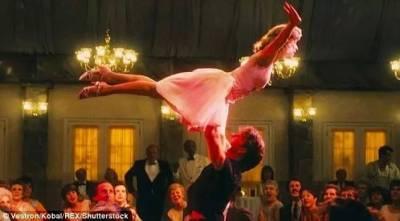 想來段浪漫嗨舞,結果夫妻雙雙趴地...這對夫妻,承包了外國網友們最近的笑點...