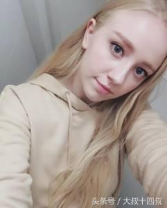 這名3年前爆紅的「丹麥天使」大膽公布自己的「素顏無濾鏡照」,沒想到大批網友竟酸「醜到夢碎」?!