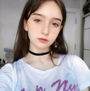 這名土耳其少女竟然憑著「清新素顏照」讓網友直呼重新體驗「初戀的滋味」,「上完全妝」更是性感到網友爆衝!
