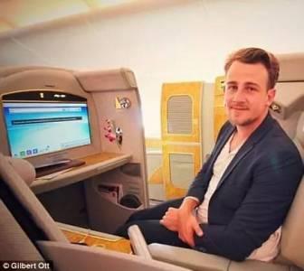 如果你在機場見到他...你就能坐頭等艙!!一定要記住這張臉啊!!