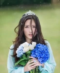 因愛下嫁,卻被男人背叛,離婚後從超女到辣媽,她努力打拚美出新高度!