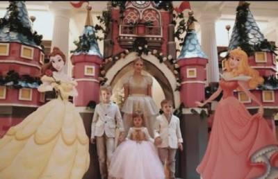 16歲進監獄,21歲嫁億萬富豪,如今生三個娃還當超模美上了天!