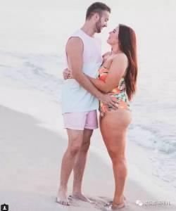 「愛你的粗腿,愛你的胖臀,愛你可愛的游泳圈.... 」這樣的告白,心動了