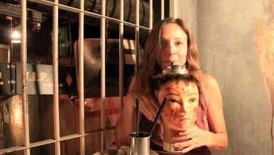 跪了!護士小姐姐扎針 停屍房用餐 夜壺喝酒 「病友們」排隊求虐…