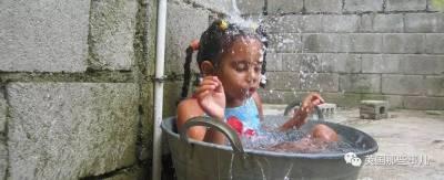 在加勒比這偏遠的小村莊里,女孩子長著長著…會長出「男性生殖器」...