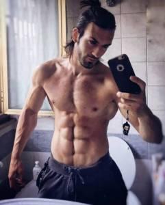 有身材有顏值有氣質,這個意大利男人跑去cosplay,效果一下驚住了眾網友...