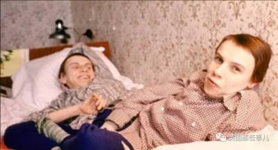 這對雙胞胎姐妹,有4隻手,3條腿,2個頭,2套心肺器官!沒想到最後他先走了...醫生說可以做分離手術,而他卻..