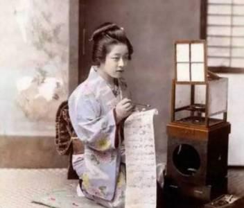 一百多年前的日本妓院,高端妓女可是受過嚴格培訓才能上崗的!