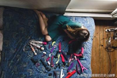 7張在「監視錄影器」下拍攝出的女人「獨自在家」的私密照片! 3對肉體的歡愉探索 4不能說的浴缸秘密