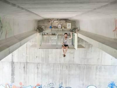 這個80後小伙花費2週時間在天橋底下造了個違章建築,卻吸引了無數人搶著去住!