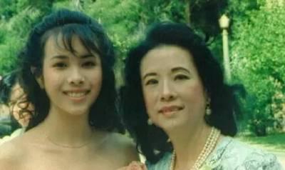 她是周星馳舊愛,曾幾度「毀容」,卻41歲嫁17歲初戀,活出了最漂亮的人生!