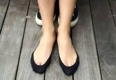 日本亞馬遜寄來的高仿「無印良品」襪子,假到讓人哭笑不得......