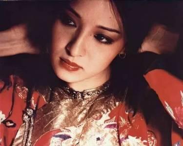 她是台灣第一美女,卻在42歲未婚生女,如今她雖已遲暮卻活得比誰都優雅真實