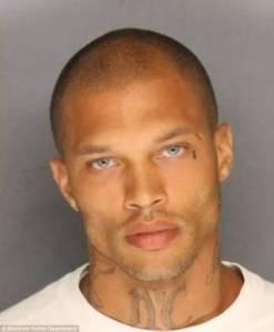 又一個囚犯因為長得太帥,剛踏出牢房,就踏上人生巔峰了...