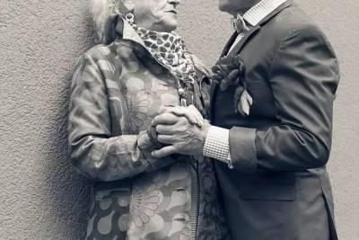 一個93歲的澳洲痴呆老頭,每個月都找一名妓女來服務,背後的故事卻衝擊心靈…