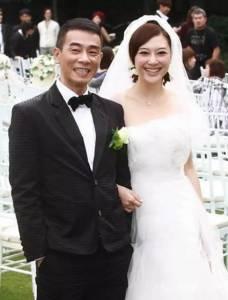 陳小春兒子露正臉!比爹還帥!結婚7年,你不放下我,我不放下你!