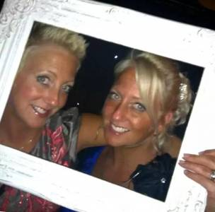 雙胞胎姐妹去世後,接下來每年生日,她卻收到來自對方的禮物...