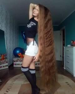 頭髮超超超超級長的8個人,卻是因為這樣的原因...使他們不剪頭髮