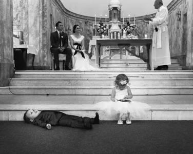 婚禮上的小朋友:無聊到懷疑人生!