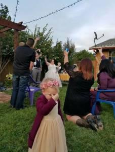 盤點七張小孩在婚禮上的爆笑脫序照片,這些婚禮都被熊孩子毀的徹底XD 3小朋友:大姊姊你不要結婚啊!