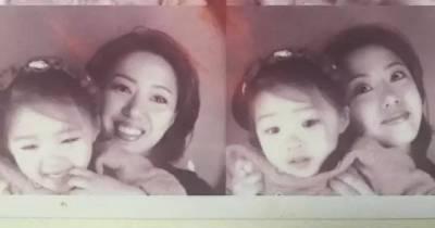 50歲的媽媽竟然比20歲的女兒還美!一出場驚艷了時光...