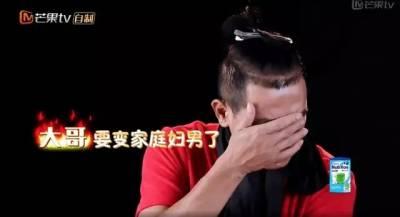 50歲的陳小春帶娃萌翻眾人,從古惑仔到嚴父和滿分老公,愛讓男人成長