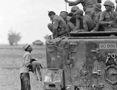100年來最爆的20顆催淚彈,你能忍到第幾張不哭?